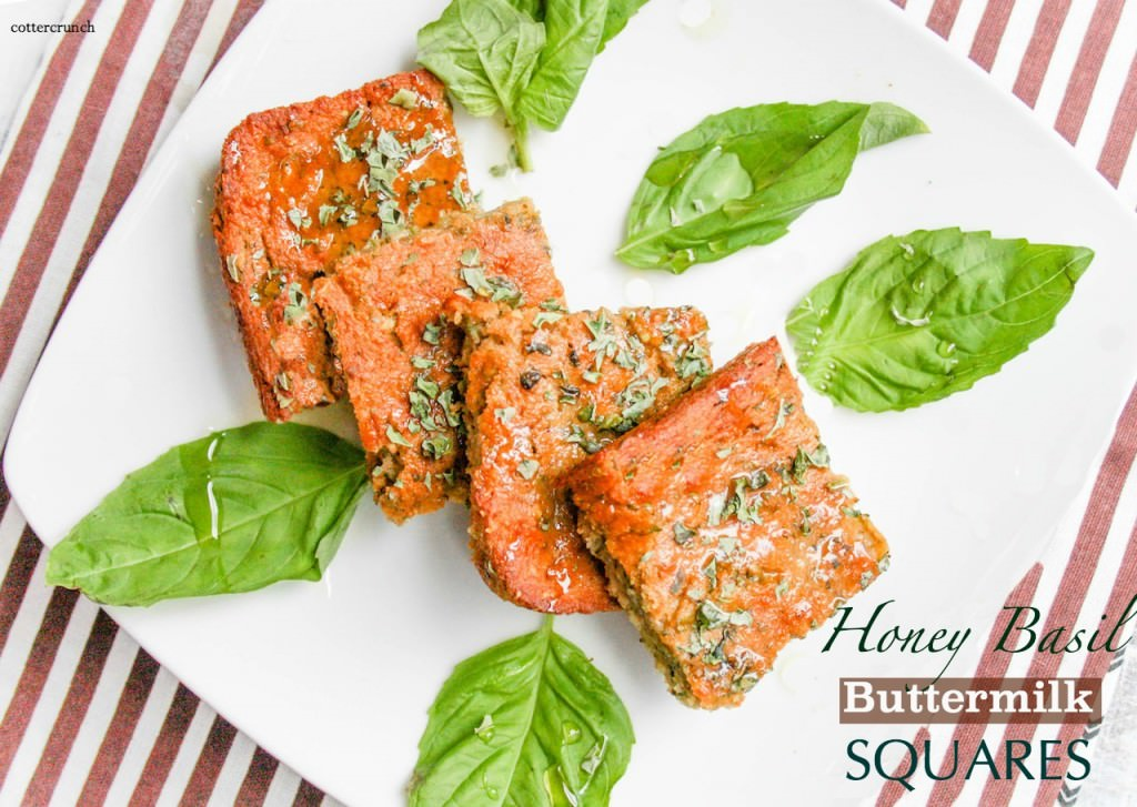 HONEY BASIL BUTTERMILK SQUARES - gluten free and great for snacking, with soup, and more! #healthy @cottercrunch #baking