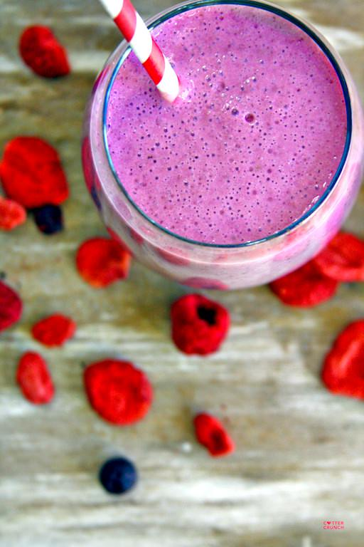 berry cheesecake smoothie- taste like cake and is super healthy and nutritious! great treat for any time of day!. cottercrunch.com