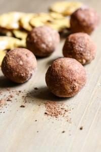 chocolate pretzel cashew bites (4 of 1)-5