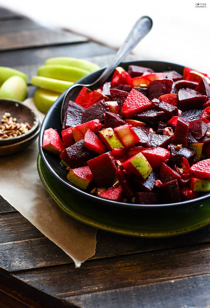 Marinated Beet and Apple Salad. A super food salad that's vegan, paleo, and packed full of flavor! This beet and apple salad is rich in antioxidants, easy to make, and great for a potluck side dish! Or enjoy with the family and boost your health. @cottercrunch