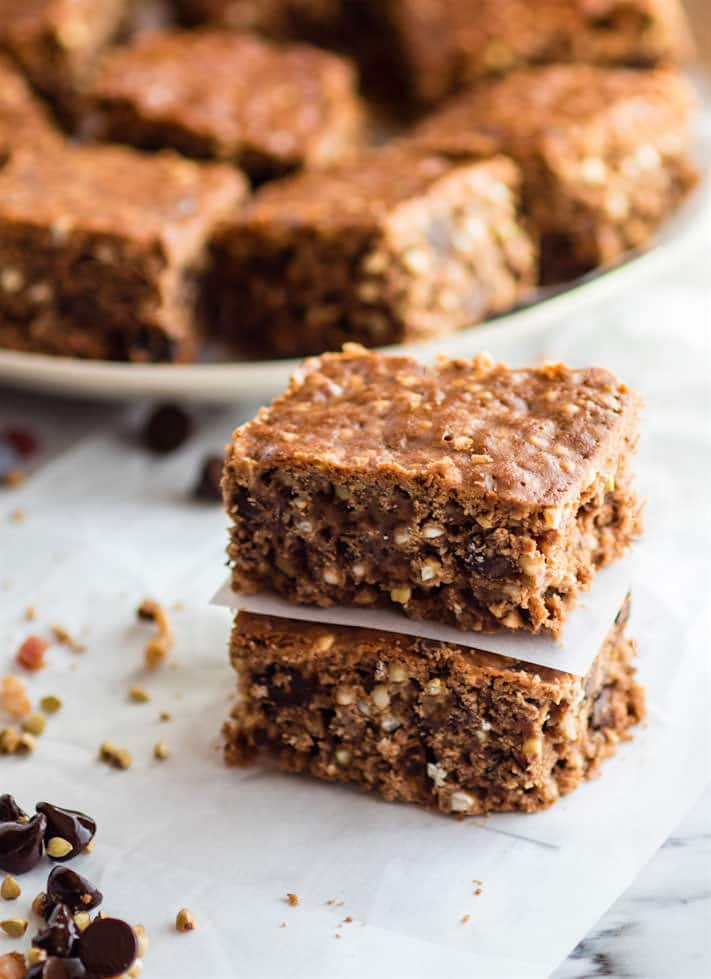 "Bacon Chocolate Chip Gluten Free Crunch Bars! The original ""crunch"" bar just got an upgrade! These homemade gluten free crunch bars are and made with uncured bacon bits, dark chocolate chips, and ancient grains! Sweet, crunchy, chocolatey, salty, and just plain DELICIOUS!"