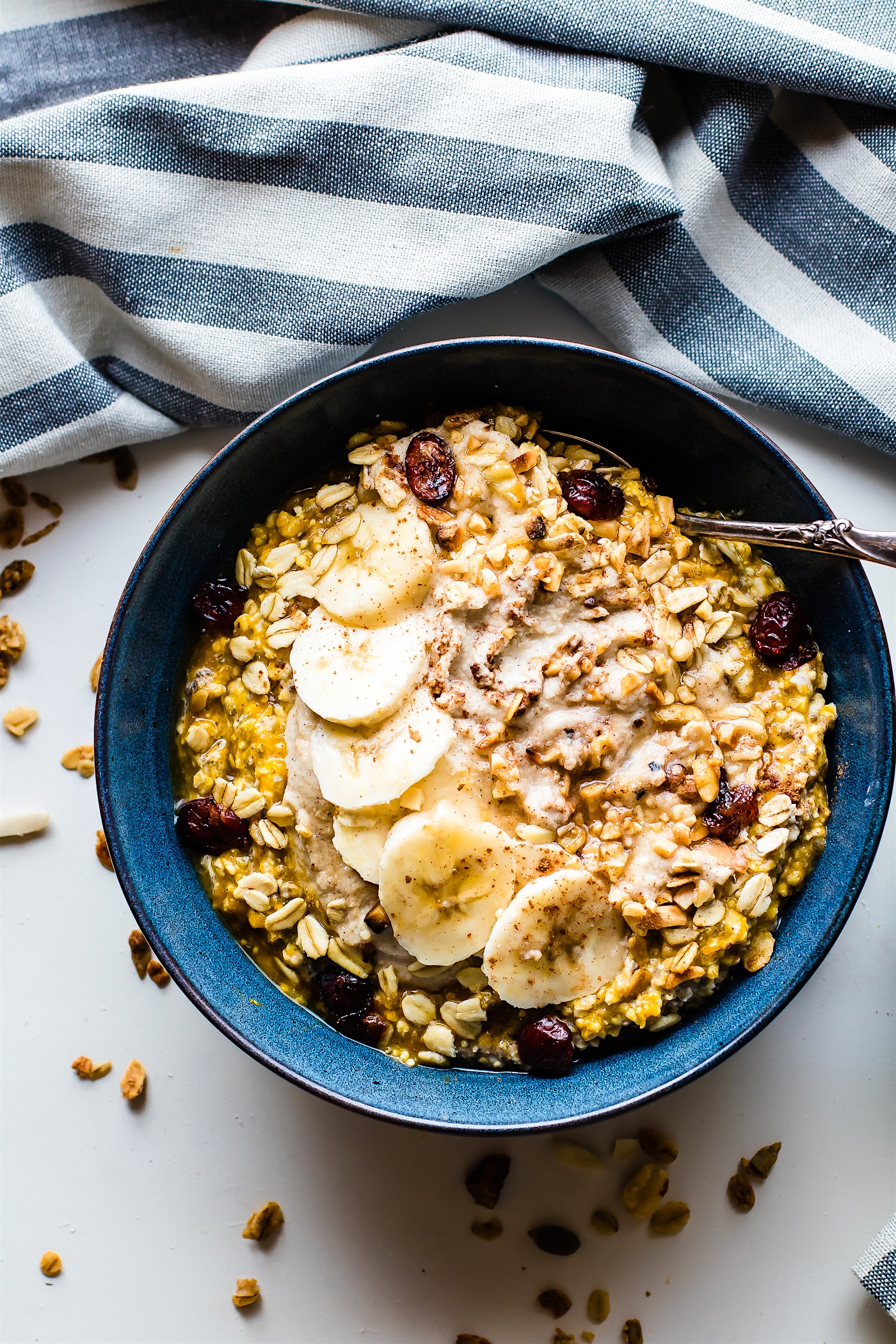 vegan-pumpkin-overnight-oats-with-cinnamon-cashew-cream-6