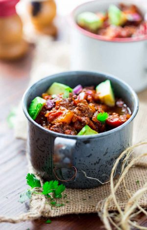 Easy Slow Cooker Paleo Beef Chili {Whole 30 Friendly}