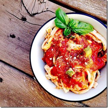 cappellos fettucine and tomato sauce