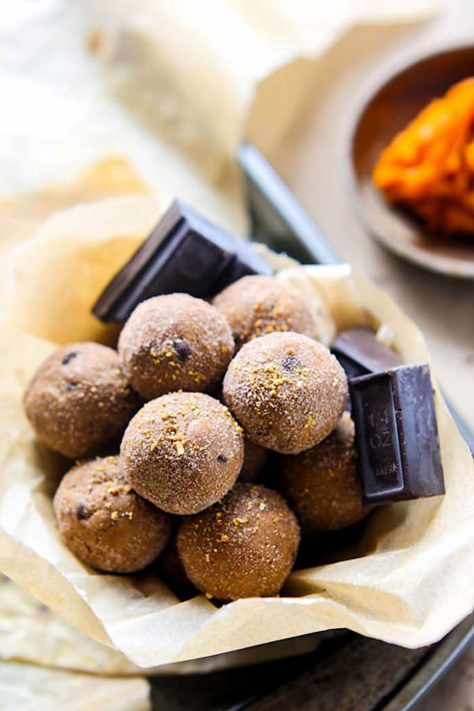Gluten Free and Dairy free orange dark chocolate chip snack bites. Packed full of healthy fats, protein, and great for holidays, halloween, desserts, or healthy snacking! #cottercrunch