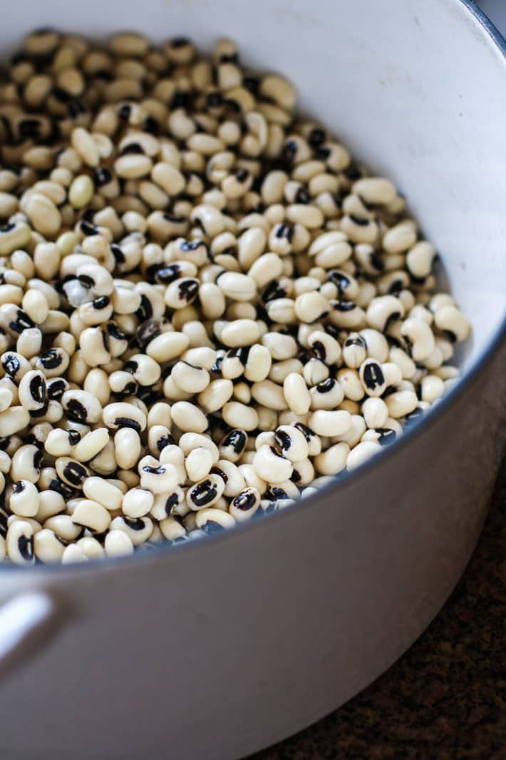 pot of black eyed peas