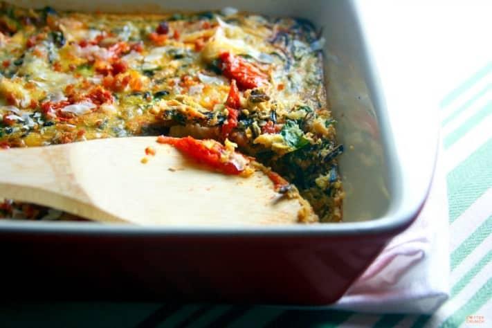 Gluten Free BLT Egg Casserole - quick healthy gluten free dinner! www.cottercrunch.com @cottercrunch