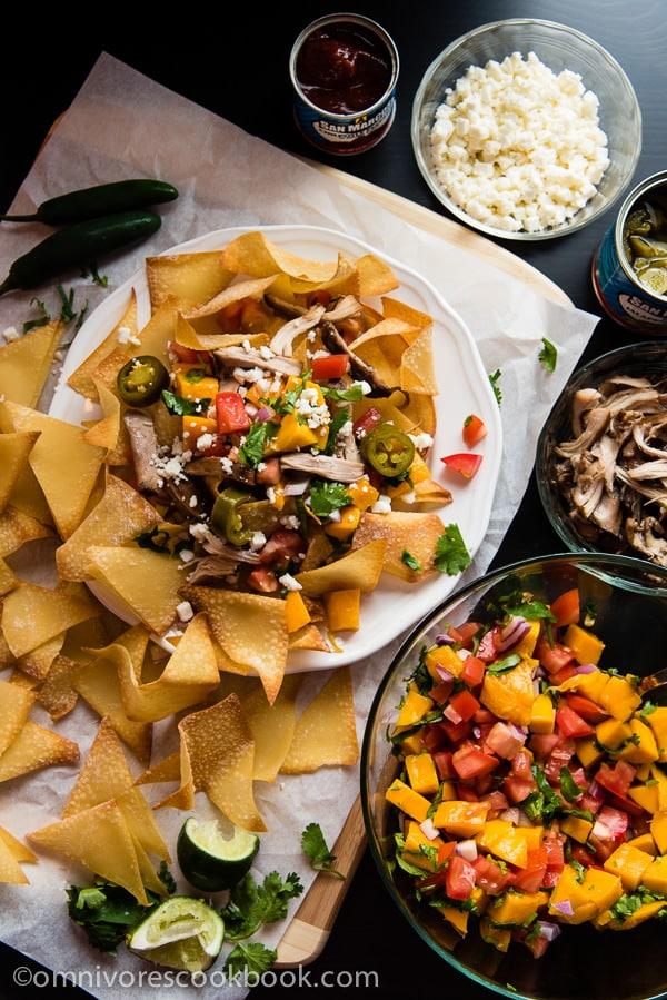 Wonton-Nachos_from ominoverscook http://omnivorescookbook.com/wonton-nachos-with-pulled-chicken-and-mango-salsa
