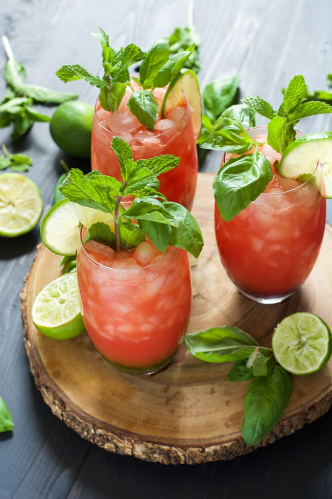 http://thehousewifeintrainingfiles.com/skinny-watermelon-limeade/