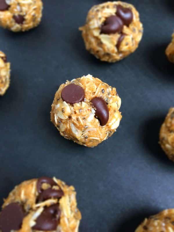 Chocolate-Chia-Coconut-Energy-Bites-@thelemonbowl
