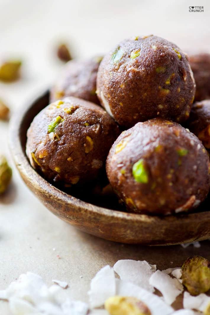 Paleo and Vegan friendly Dark Chocolate Coconut Pistachio bites