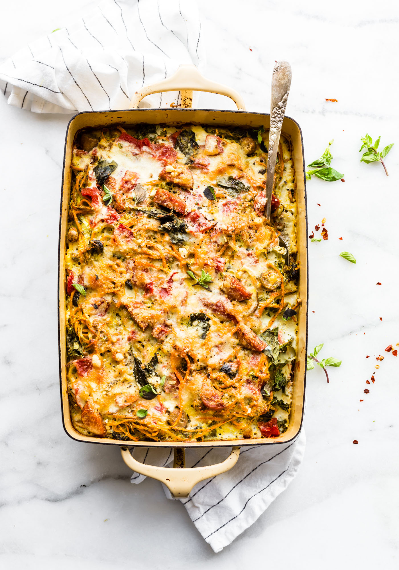 Spiralized sweet potato spaghetti casserole! An easy to make spaghetti casserole dish made with spiralized sweet potatoes! Grain Free, gluten free, Healthy!