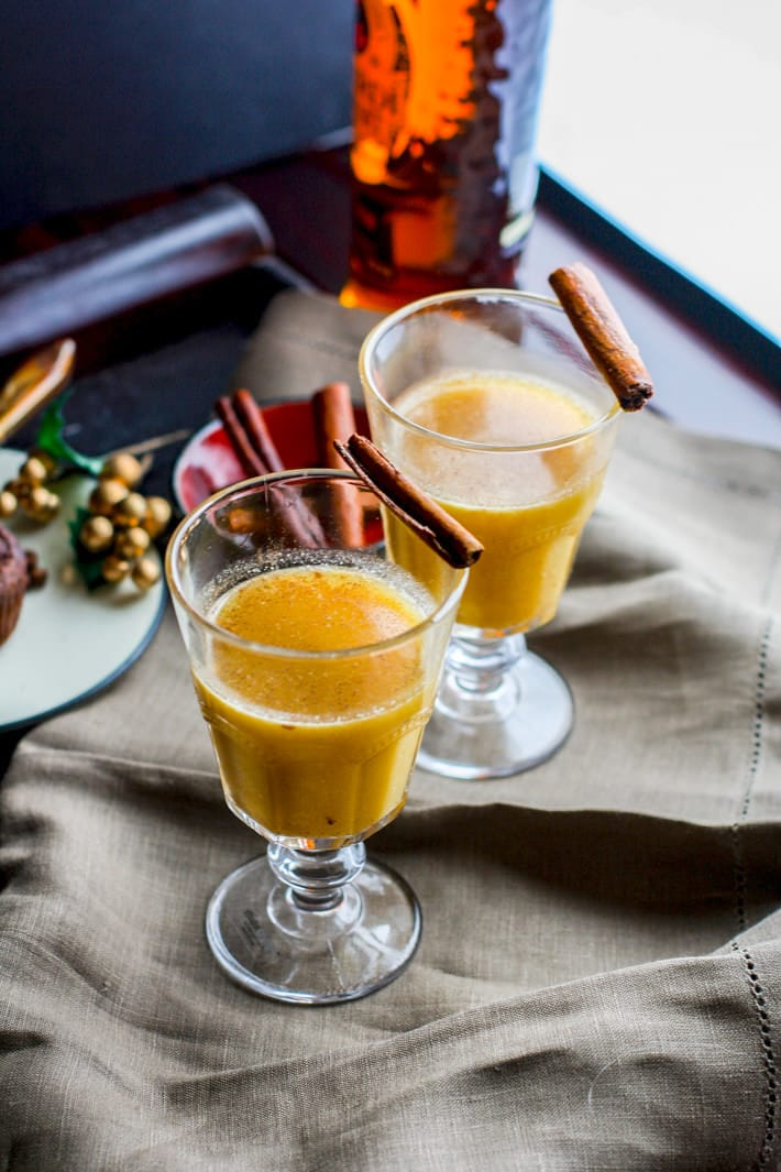 Warm up and stay cozy with this Spiced Pineapple Rum Hot Toddy! It's the perfect festive Fall/Winter drink to soothe the body or to simply enjoy with good company. This spiced pineapple rum hot toddy is made with natural sugars and a touch of cinnamon and coconut milk for healthier Holiday sipping! ENJOY! @cottercrunch