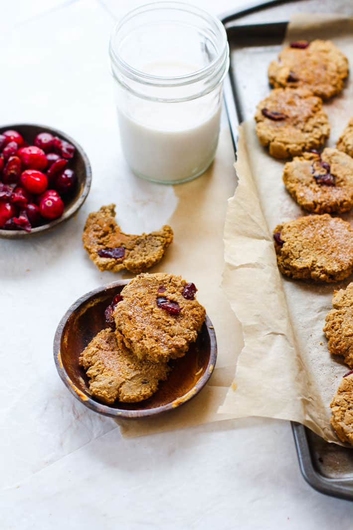 Healthy Cranberry Almond Molasses Cookies! Paleo and vegan friendly! Great for the holidays, for snacking, parties, or even breakfast on the go.