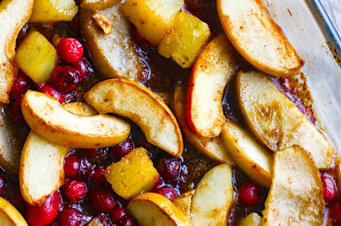 Easy Spiced Hot Fruit Bake! A delicious and healthy holiday breakfast bake! This gluten free spiced hot fruit bake also makes for a great topping for waffles, pancakes, oatmeal, or by simply by itself! A nutritious dish to add to your Christmas or New Year's Brunch! Vegan friendly.