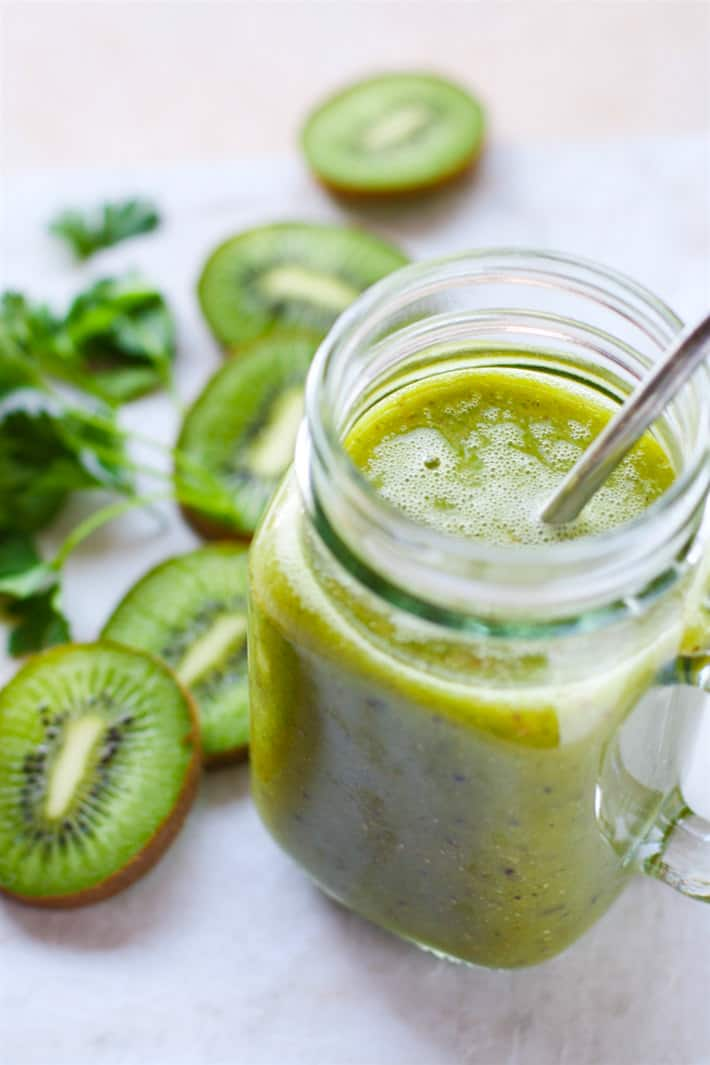 kiwi super green smoothie in a mason jar glass