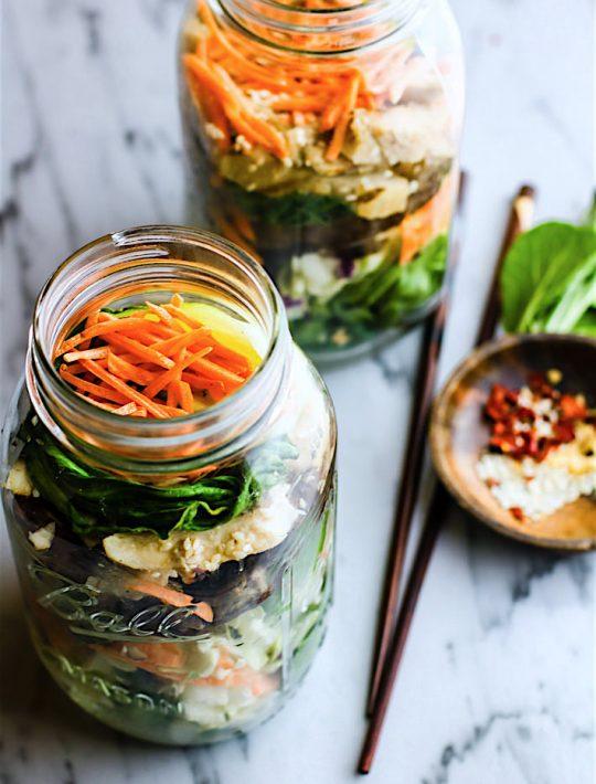 mason jar salads made with gluten free leftovers