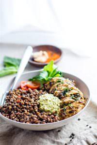 Crock pot Garlicky green chicken and lentils
