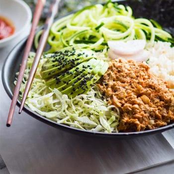 Super simple spicy avocado tuna salad sushi bowls.