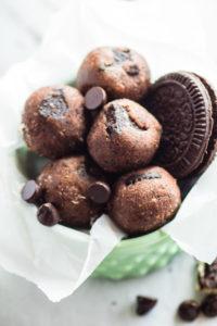 No Bake Mint Chocolate Chip Oreo Bites   —   {Gluten Free }