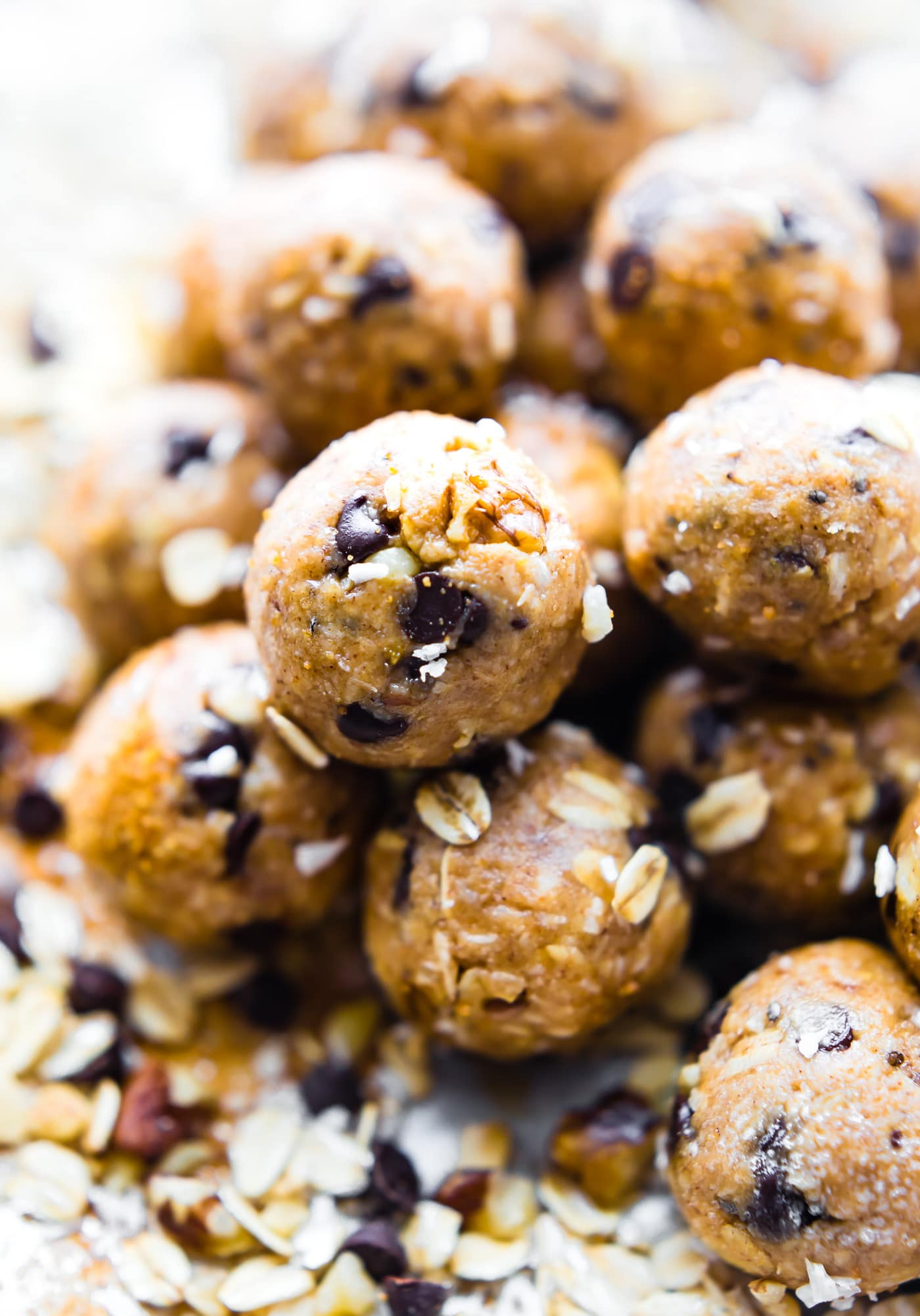 Cowboy Cookies in a no bake ENERGY BITES form! Yes, the best of both worlds. No baking, vegan energy bites that taste like cowboy cookies! Soft, chewy, and loaded with a variety of flavors. Gluten free!