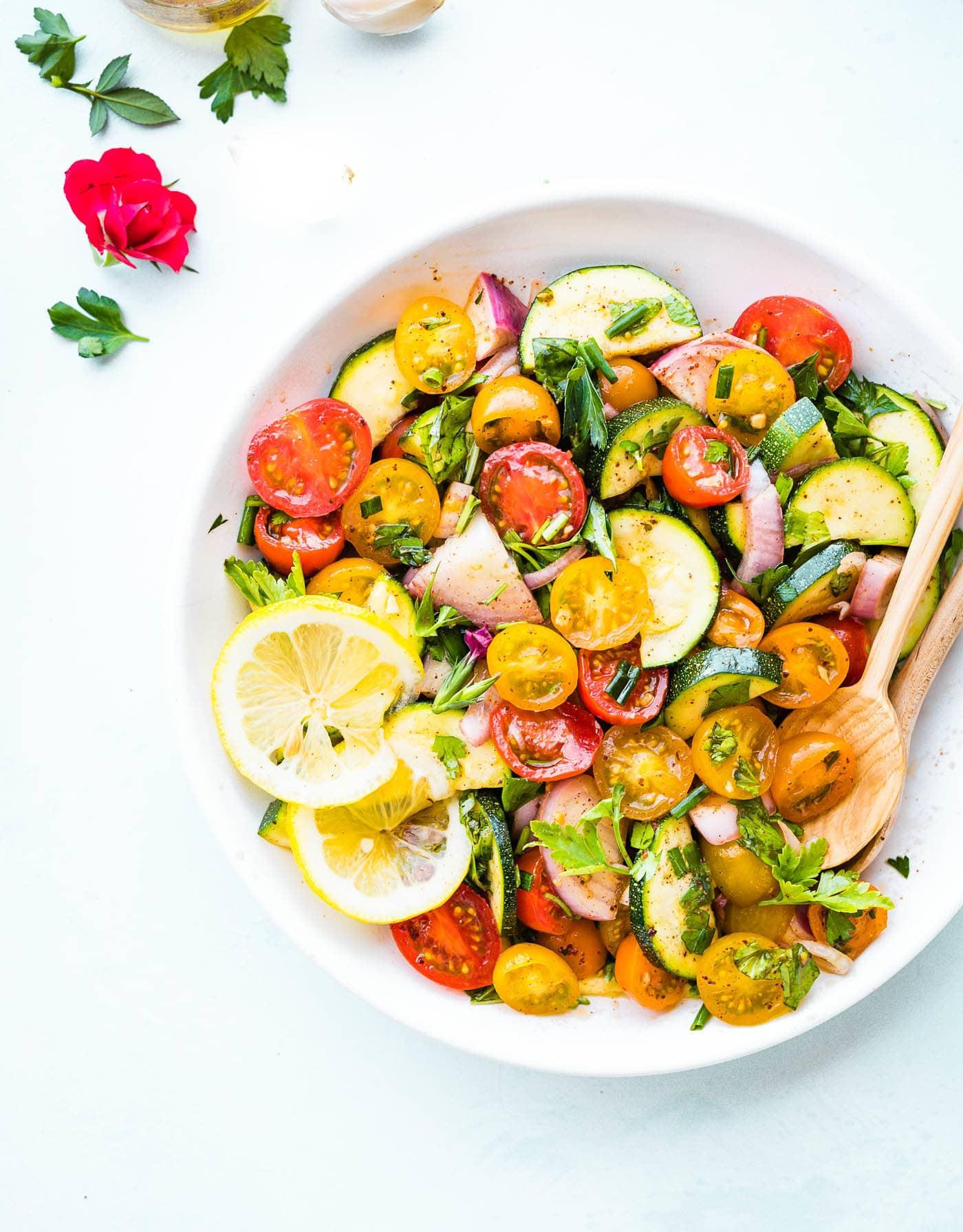 19+ Three Herb Tomato Zucchini Salad   Cotter Crunch Galerie