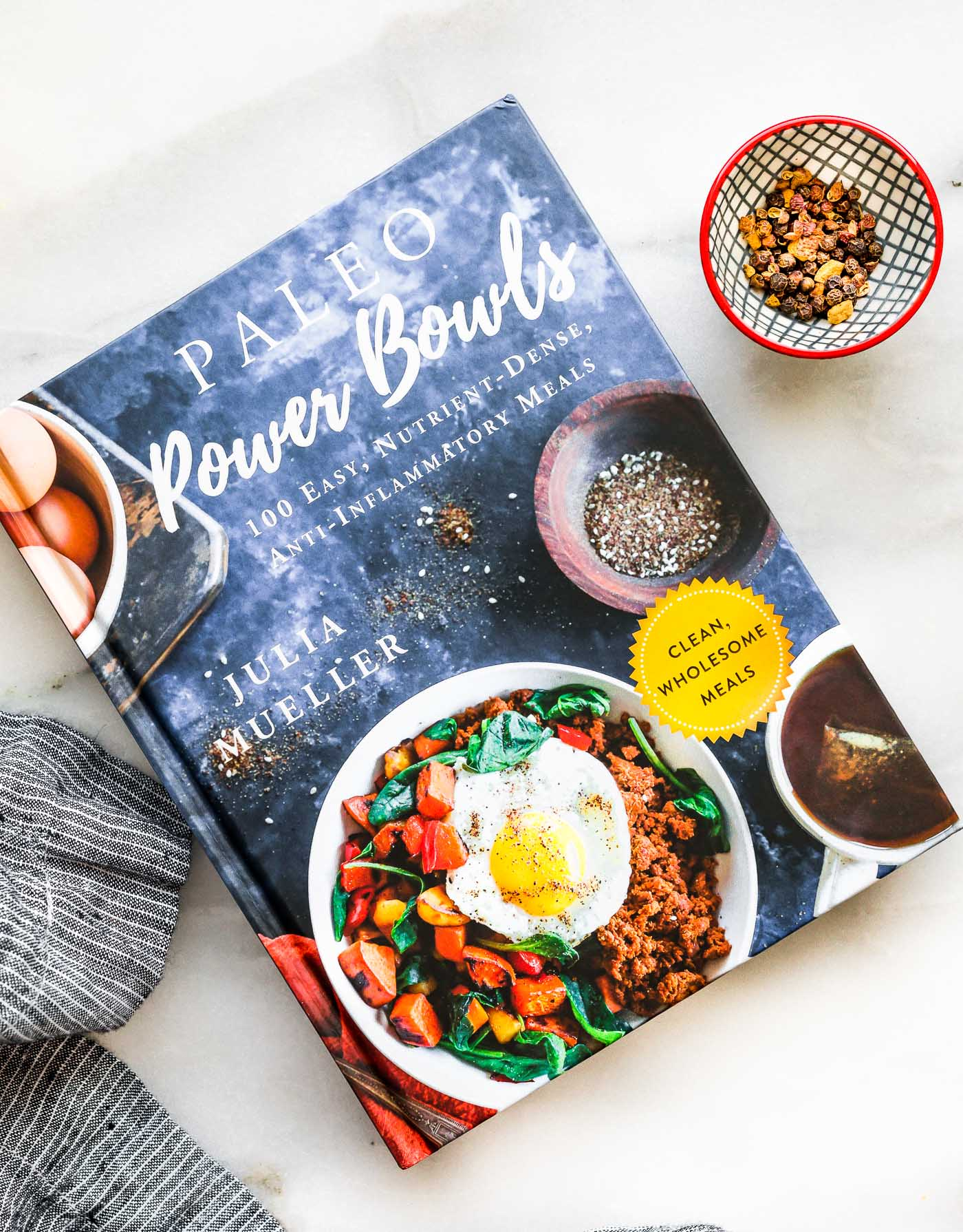 cookbook cover: Paleo Power Bowls (Julia Mueller)