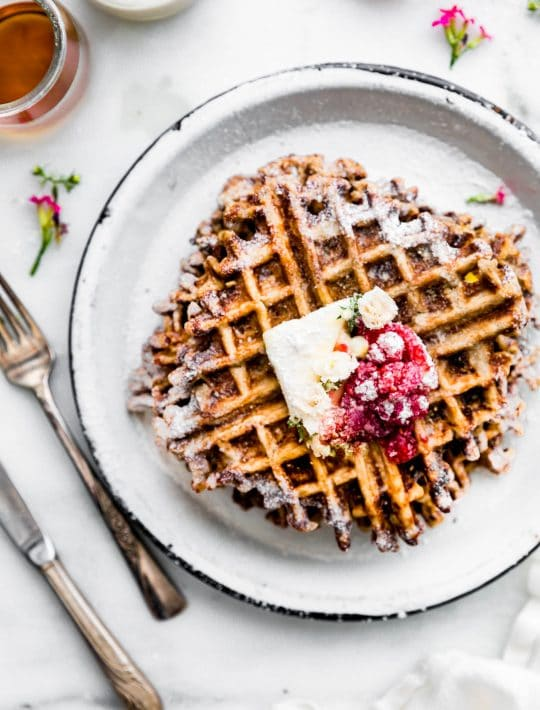waffles with raspberry