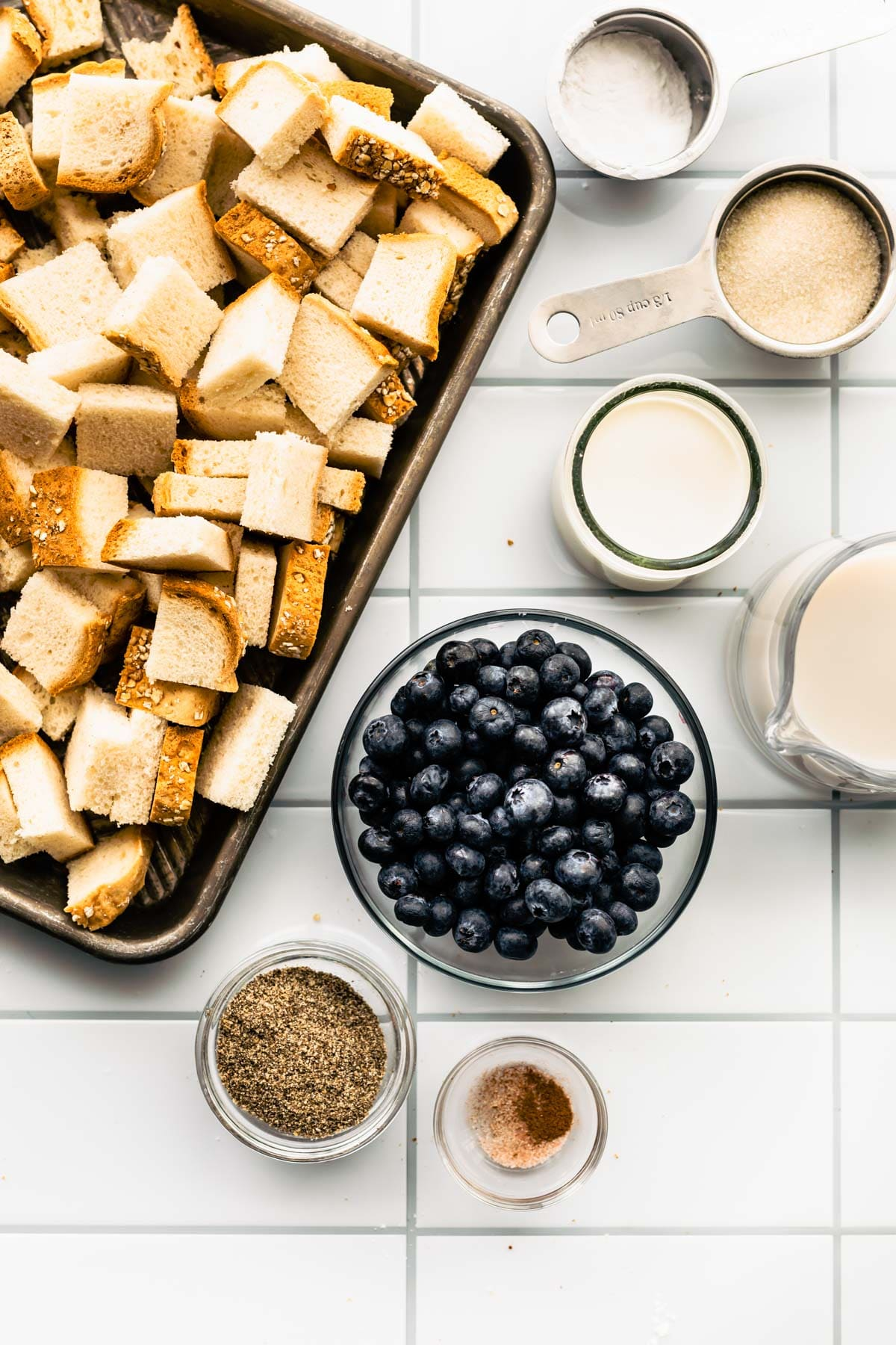ingredients to make french toast with berries
