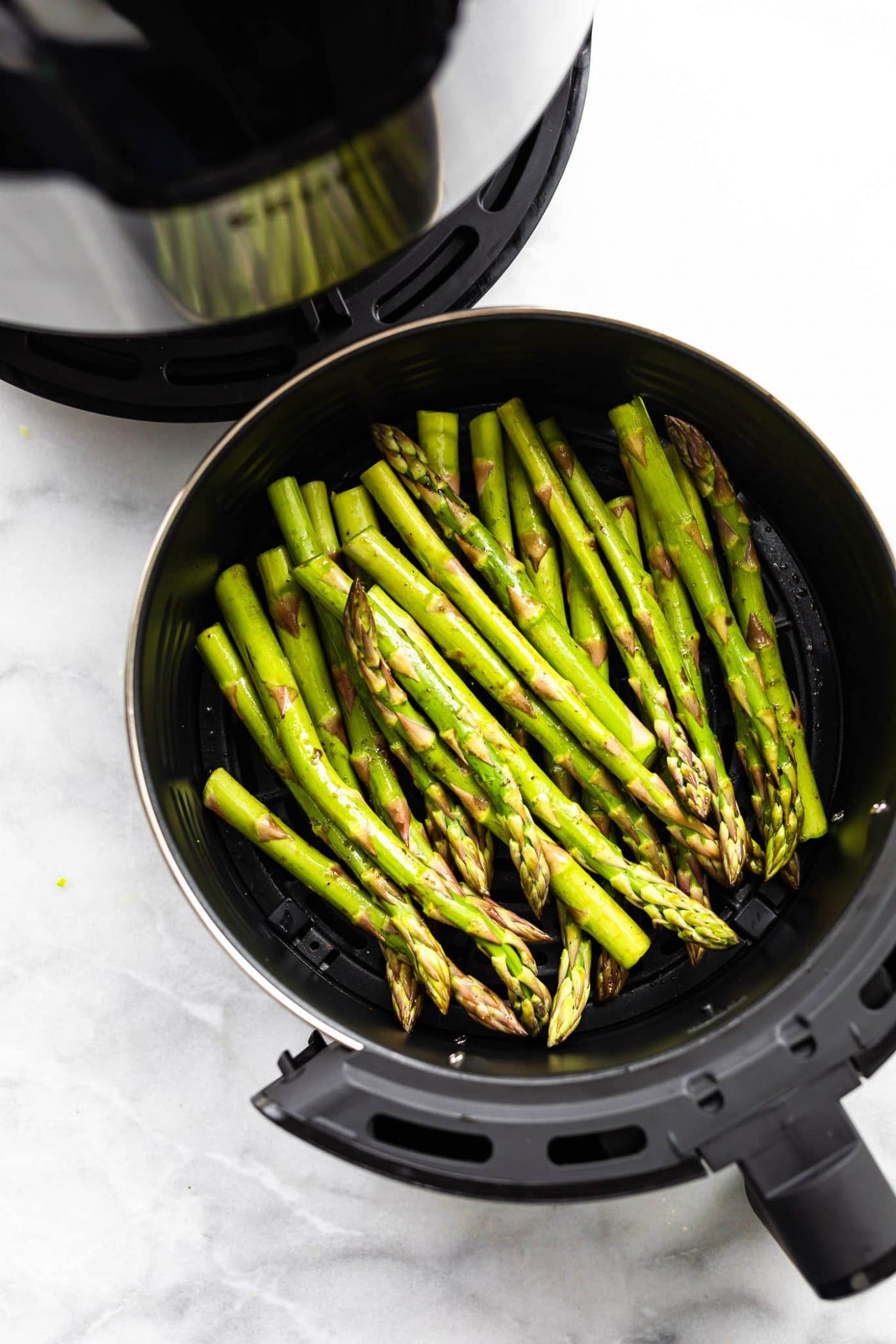 uncooked asparagus in air fryer